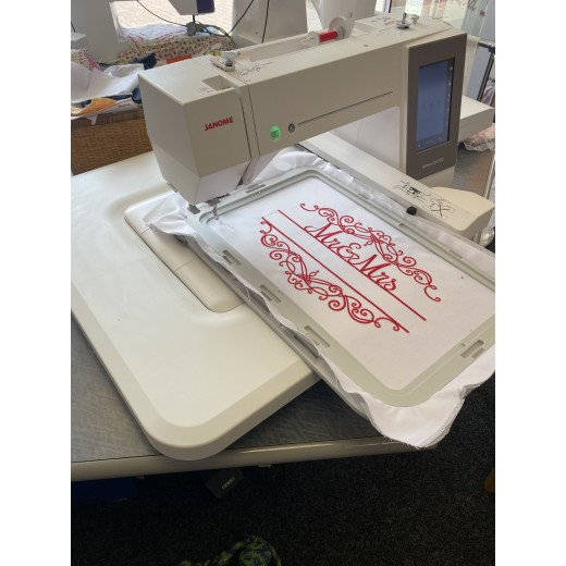 Janome Memory Craft 550e Embroidery machine (used, nearly new)
